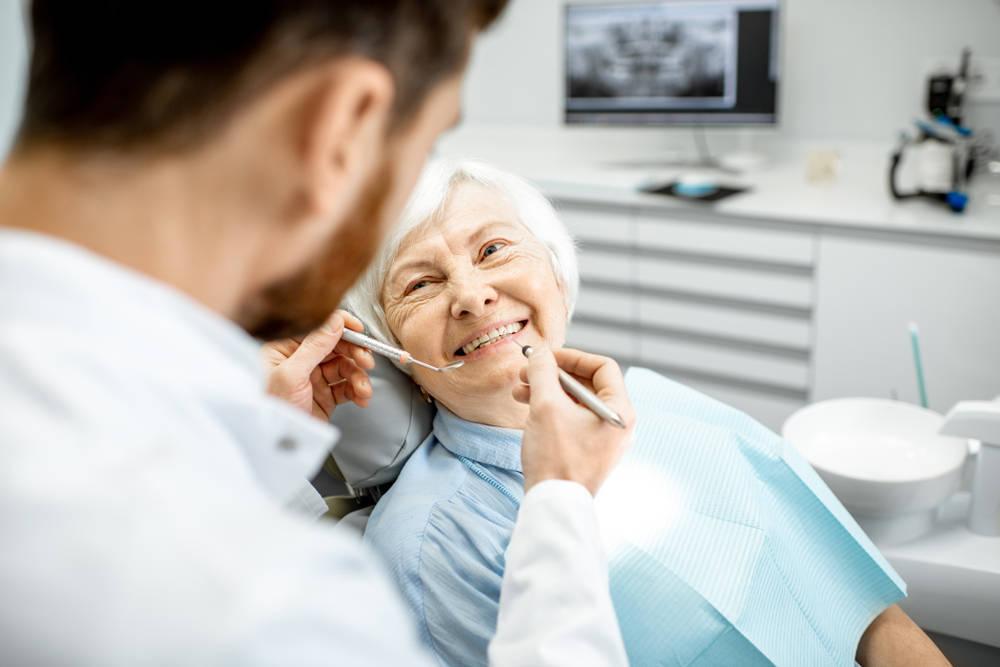 La importancia de la salud bucal en la tercera edad